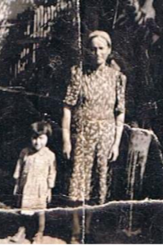 Yolanda with her mother, 1941.